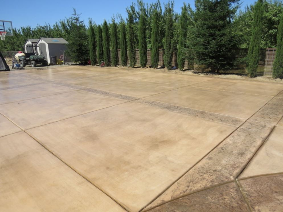 this picture shows concrete driveway in rancho cucamonga