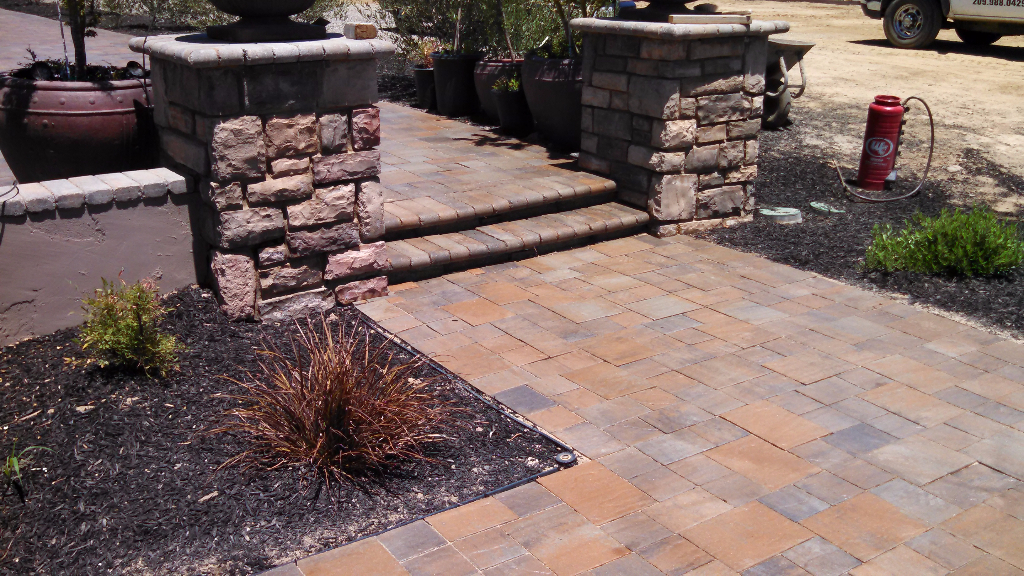 This is a picture of stone veneer in Rancho Cucamonga, CA.